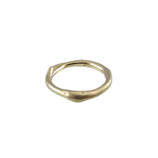 ring-14k-gold-curvy-white-side-nobbon