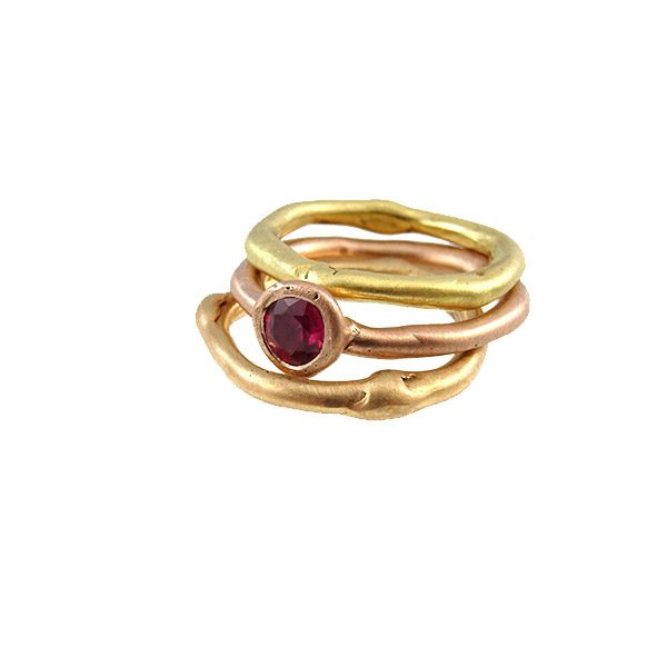 ring-14k-gold-ruby-curvy-red-yellow-rose-nobbon
