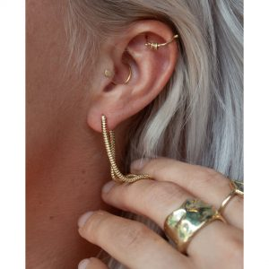 earring-14k-gold-everyday-snake-thick-chain-hand